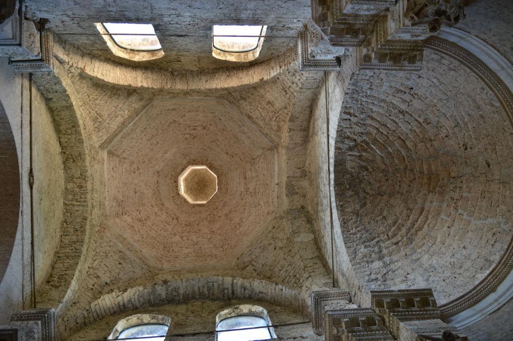 Spoleto, Basilica di San Salvatore