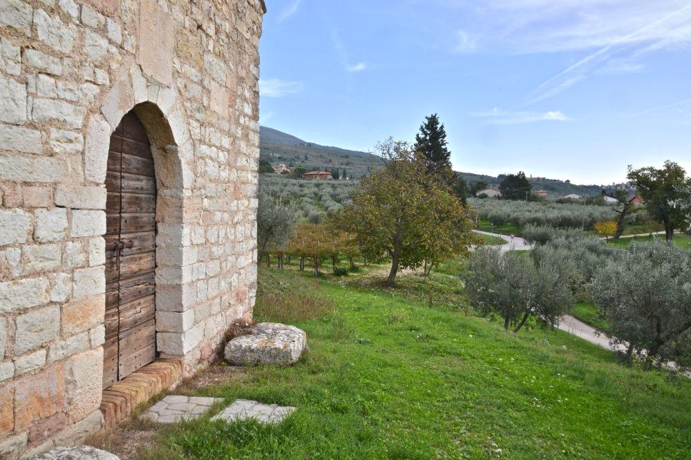 Cosa fare in Umbria? Vieni a camminare a Trevi